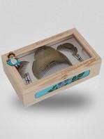 caja de peinetas y moños