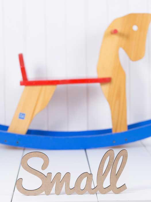 palabra de madera small en silu