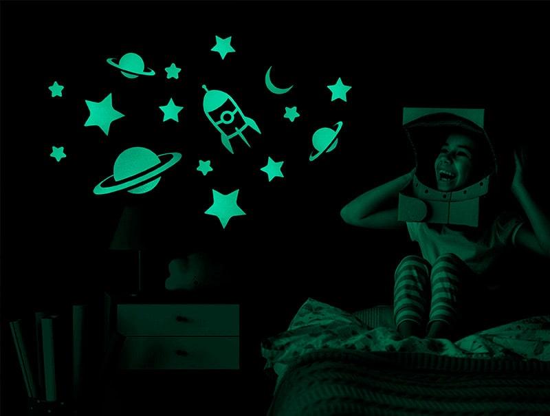 estrellas fluorescentes madera