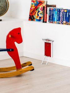 puerta ratón pérez madera rojo